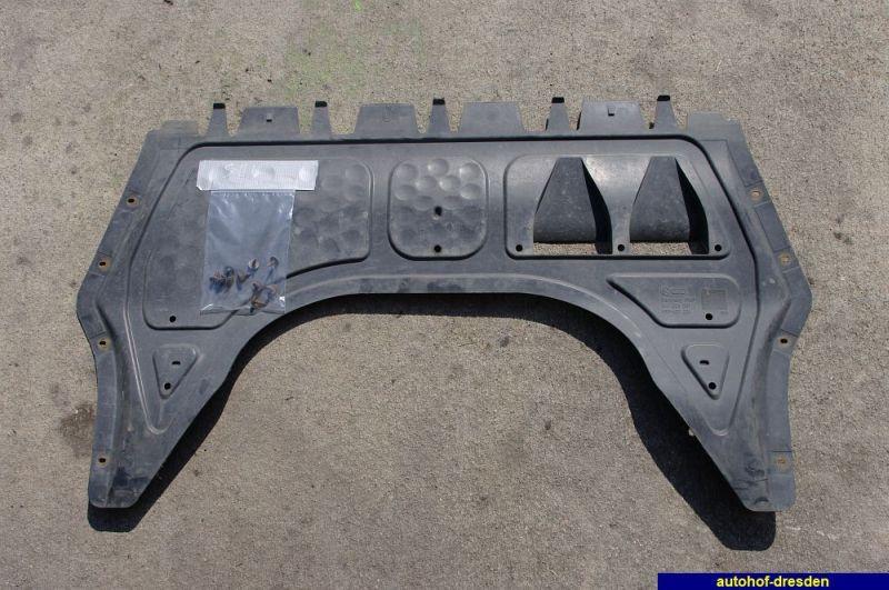 Abdeckung Unterfahrschutz mit SchraubenVW GOLF V