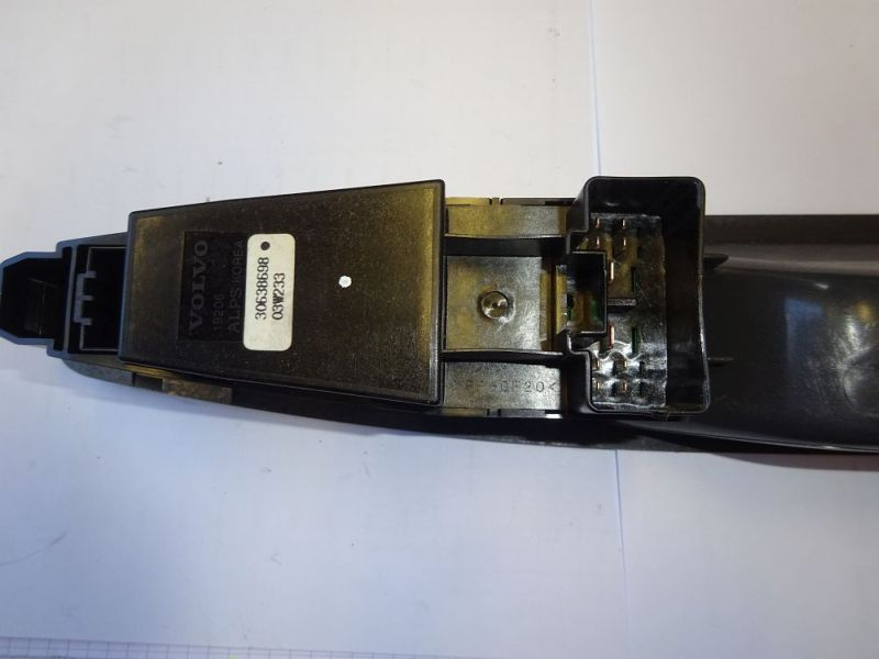 Schalter Fensterheber links vorn 30638698  03W233VOLVO V40 KOMBI (VW) 1.9 DI