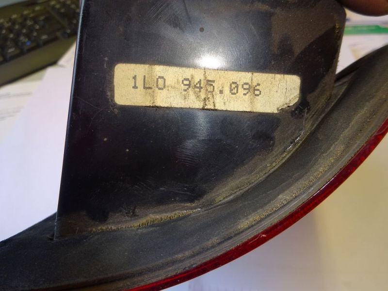 Rückleuchte rechts mit LampenträgerSEAT TOLEDO I (1L) 1.6I