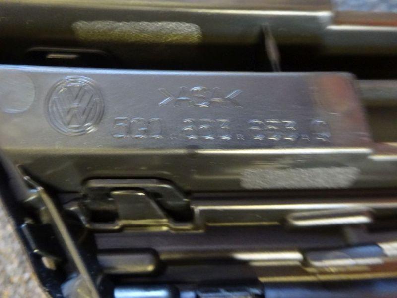 Frontverkleidung Frontgrill mit Emblem FaceliftVW GOLF VII